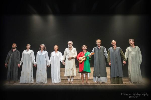 King-Lear-groeten-foto-Marc-Van-Iseghem